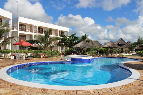 Reef & Beach Resort pool   by Paradise & Wilderness
