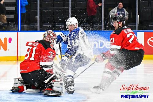unitedstatesofamerica 840 ahl americanhockeyleague binghamton crunch devils icehockey newyork onondagacounty pro professional sports syracuse warmemorial nikond500 afsdxnikkor18140mmf3556gedvr goalie players ice