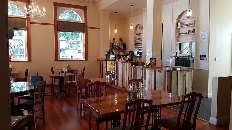 Mint (Left Bank) café