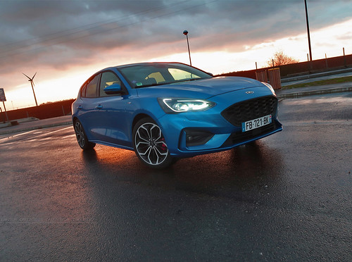 Essai Ford Focus ST Line 2019 Blue Iceland Cars Passion