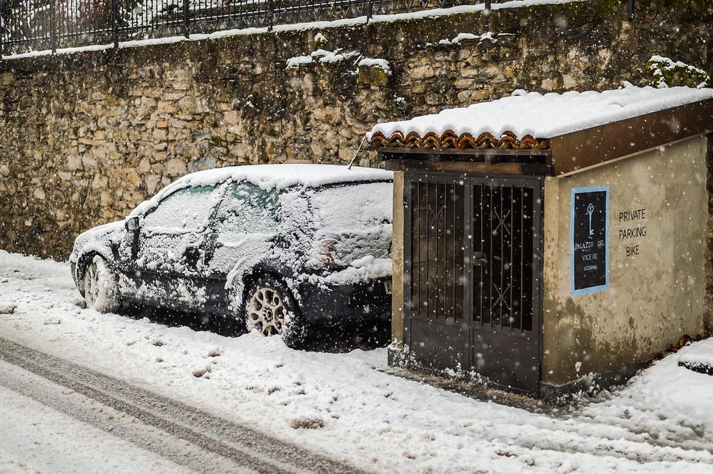 Still snowing ! 16:51:35 DSC_6300