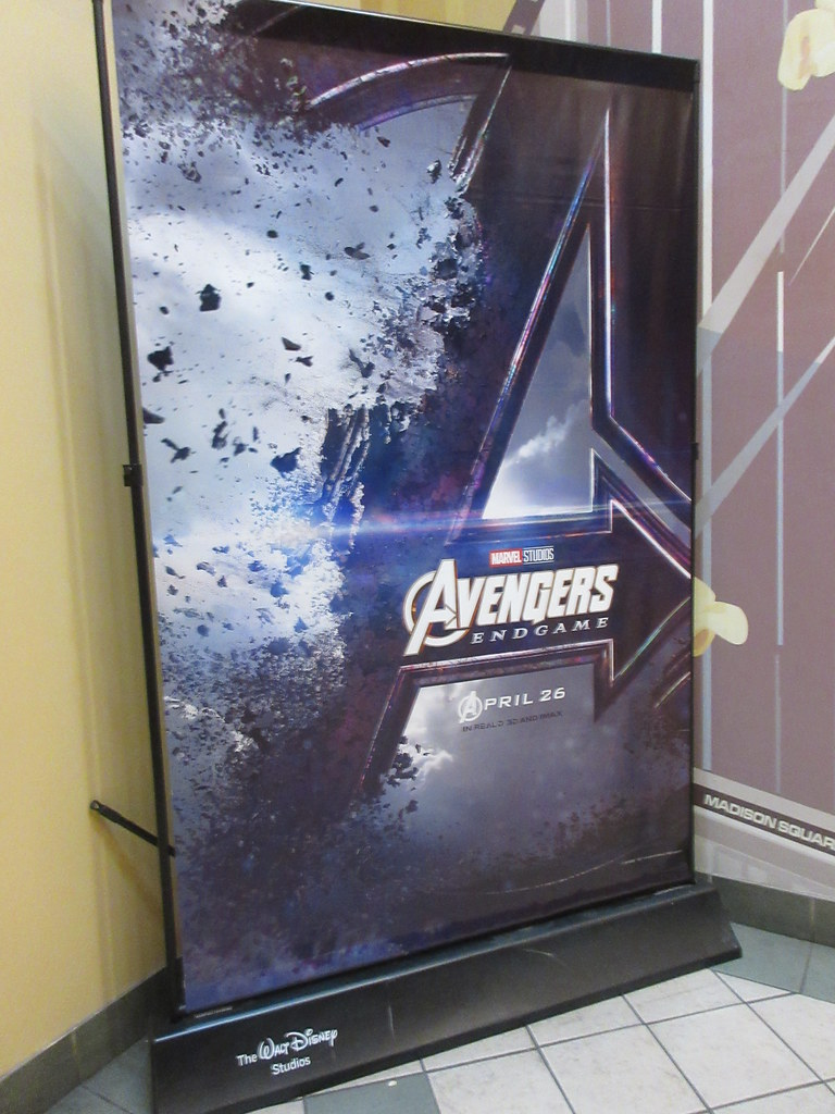Avengers Endgame Theater Lobby Standee NYC 4786   Avengers E