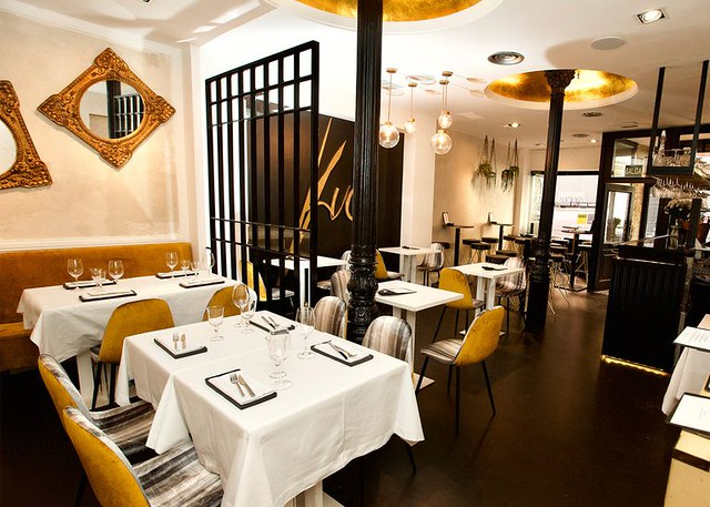 Kuc Place to be, restaurante