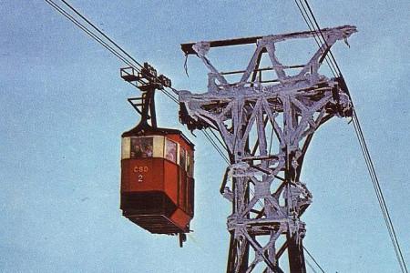 Devatesát let lanové dopravy na Černou horu