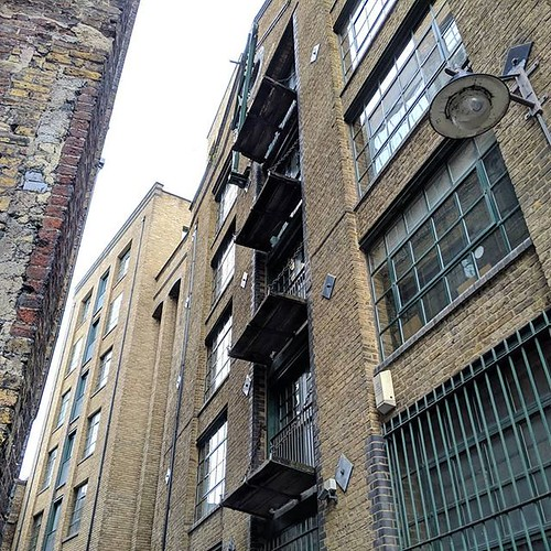 Warehouses on Clink Street | by Dave Cross