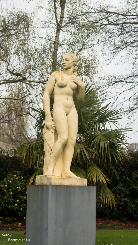Monuments / Statues - Page 13 47534111292_971c33a4be_o