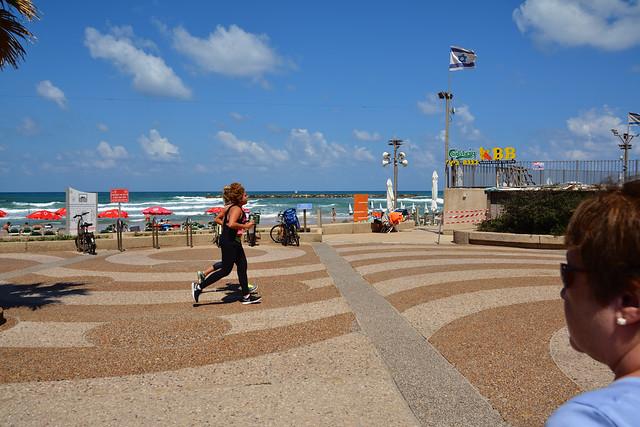 Tel-Aviv / Jogging at Banana Beach