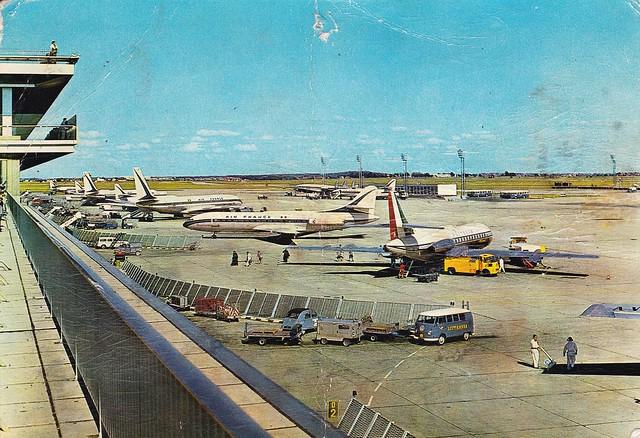 Postcard Aéroport d'Orly Editions PJ 71 Avenue Wagram Paris Cliché Alain Maisonneuve a