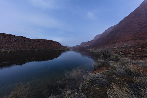 canon5dsr river water landscape reflection coloradoriver arizona usa nature outdoors mountains redrock sky clouds snowing