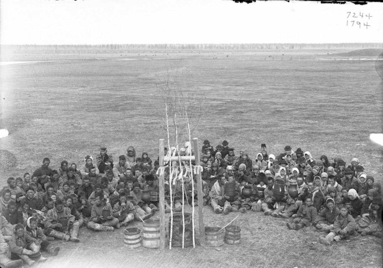 Окрестности Якутска. Праздник Ысыах в Чурапче. 1902  (4)