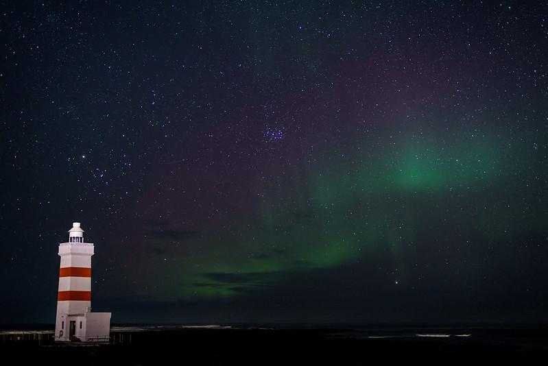 Dernière soirée aurore au phare de Garður