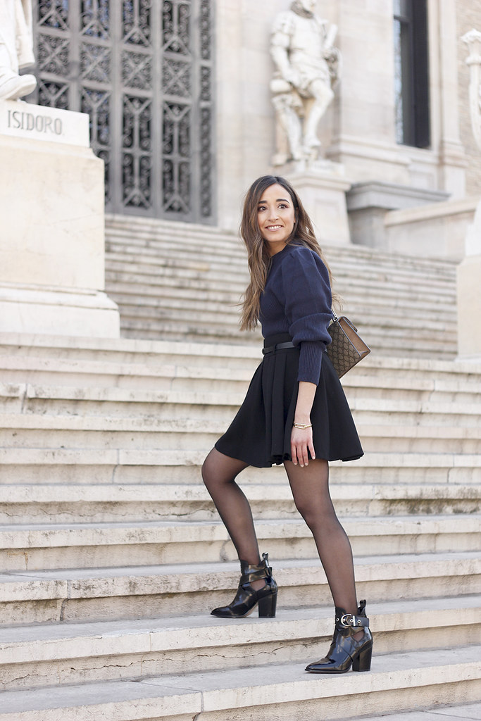 blu sweater black skirt gucci bag black ankle boots street