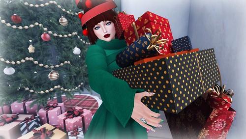 Santa's Helper   by Lucie Bluebird-Lexington