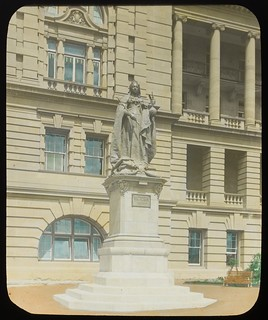 Statue of Queen Victoria in the Executive Gardens, Brisbane, Queensland, ca. 1910