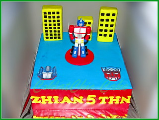 Cake The Transformers ZHIAN 24 cm   by KevnCealMom