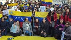 Protest tegen Maduro op de Dam