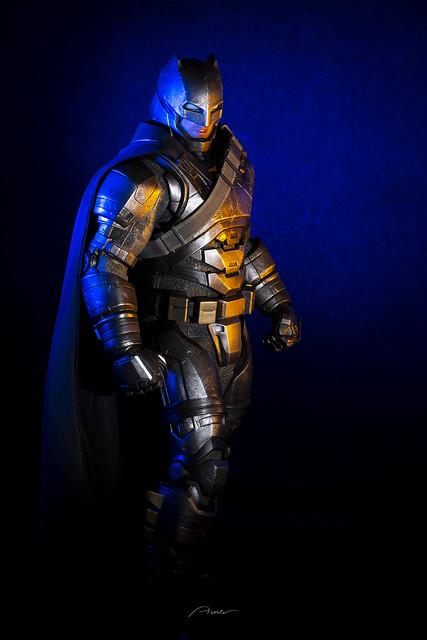 Hot Toys BvS Armored Batman 1/6 scale action figure