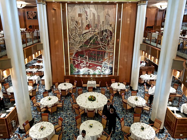 Queen Mary 2, Cunard. Bar elona, 04/2019.