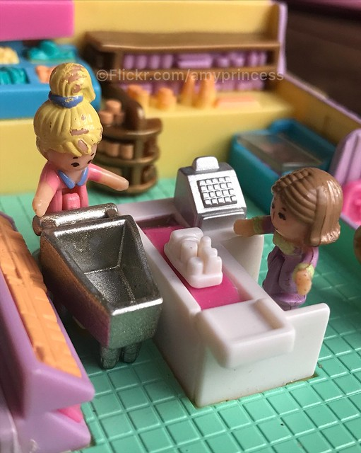 Polly pocket light-up supermarket 1995