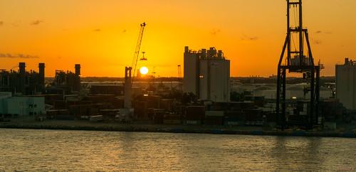 sunset coucherdesoleil fortlauderdale floride usa 8690 port grue coucher de soleil sous la under crane