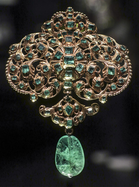 Pendant, Spain, about 1680-1700, emeralds and diamond