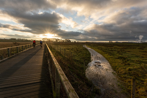burton marshes boardwalk sunrise cheshire wirral deeside 1740 canon cycling
