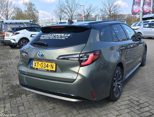 2019 Toyota Corolla Touring Sports Hybrid Photo