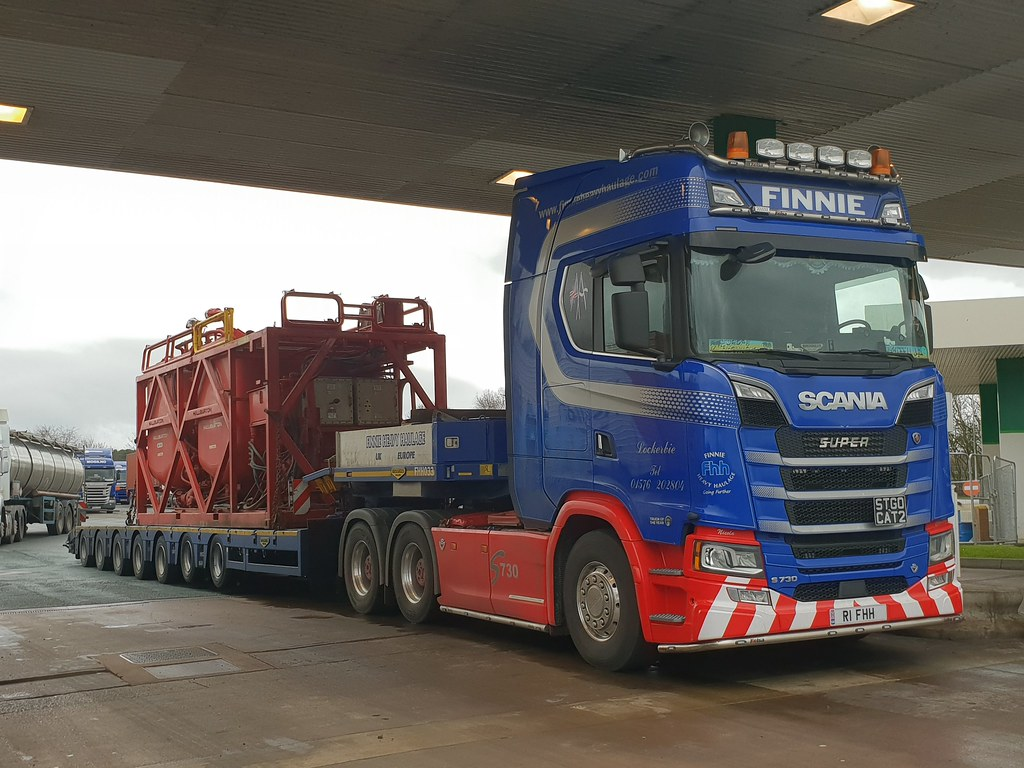 R1 FHH NEXT GENERATION SCANIA S730 V8 of FINNIE @ Carlisle