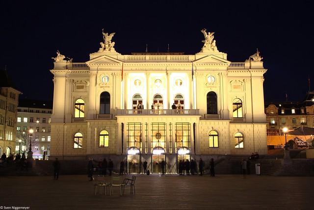 Stadttheater und Opernhaus in Zürich am 20.02.19