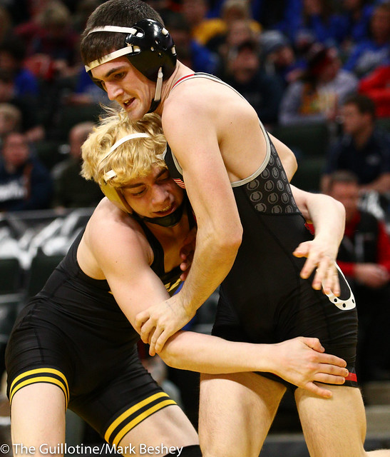 132 - Semifinal - Adam Mickelson (Apple Valley) 36-7 won by decision over Kieler Carlson (Stillwater) 45-10 (Dec 7-2) - 190302amk0063