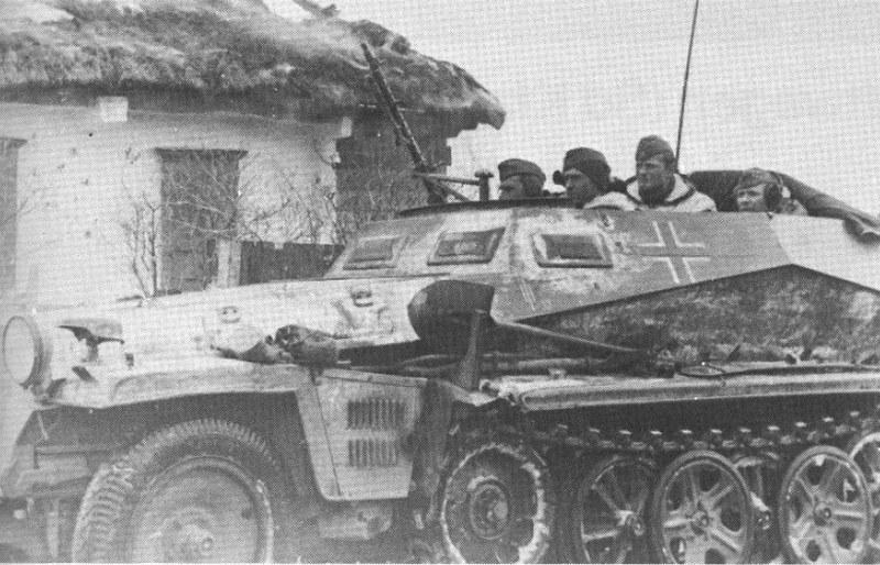 SdKfz 250/12 pojazd do pomiarów / wyznaczania zasięgu