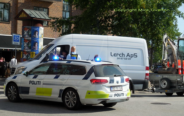 Van towing a trailer tried to cut in front of Police VW Passat BD70718