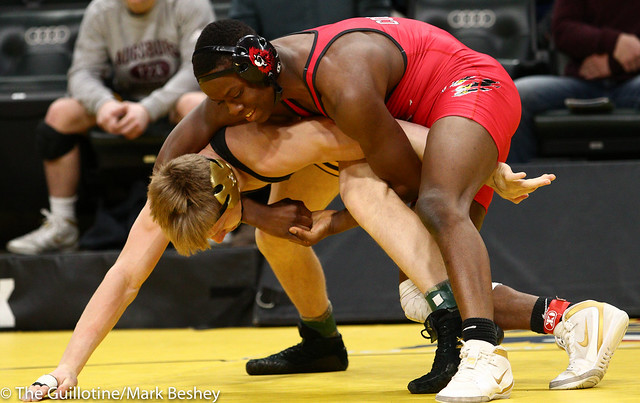 152 - Semifinal - Moise Madimba (Coon Rapids) 37-4 won by decision over Dylan Anderson (Apple Valley) 38-16 (Dec 8-7) - 190302amk0112
