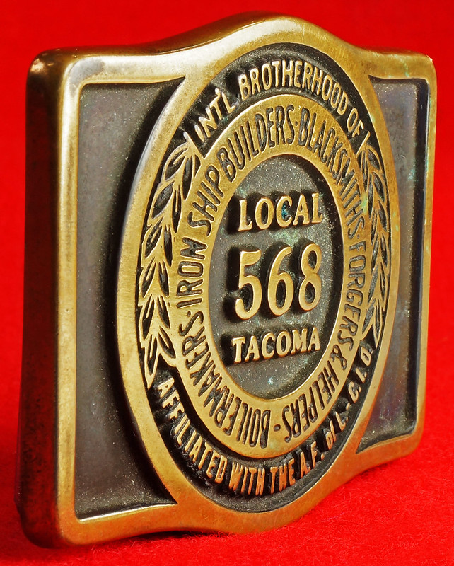 RD17136 1980 Boilermakers Iron Ship Builders Blacksmiths Forgers & Helpers Local 568 Tacoma Brass Belt Buckle Anacortes DSC09431