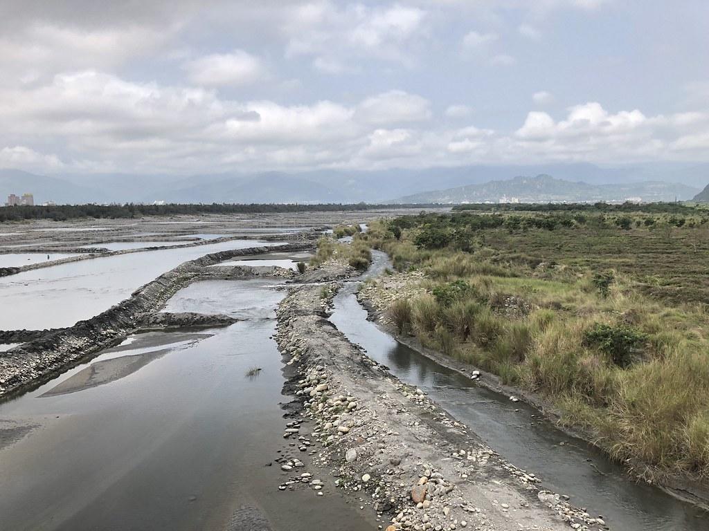 卑南溪下游揚塵整治,增加水覆蓋以及綠覆蓋面積是關鍵。攝影:廖靜蕙