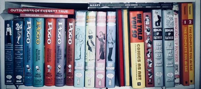 Newspaper Comics Strip Book Shelf - IDW Publishing 9048C
