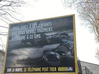 Publicité choc mais réaliste , oubliez votre téléphone quand vous conduisez voiture , moto , vélo et ... | by Pimpfdm