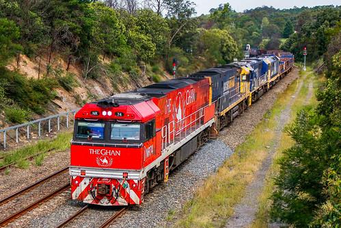 emd nrclass ge 81class train nsw theghan railway steel pacificnational 82class pn picton australia