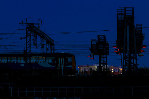 144001 leeds sunset blue hour pacer