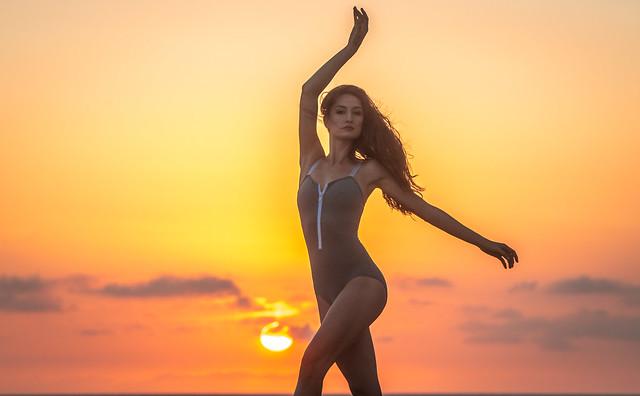 Pretty Venus Ballerina Dancing Classical Ballet! Malibu Beach Sunset Leo Carillo State Park! Nikon D810 AF-S NIKKOR 70-200mm f/2.8G ED VR II from Nikon! Gorgeous Athletic Talented Ballerina Dancing Classical Ballet Pointe Shoes Ballet Slippers & Leotard!