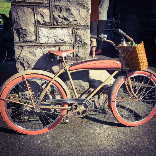 Photos from Saturday's Tweed Ride. The weather was lovely! | by urbanadventureleaguepdx