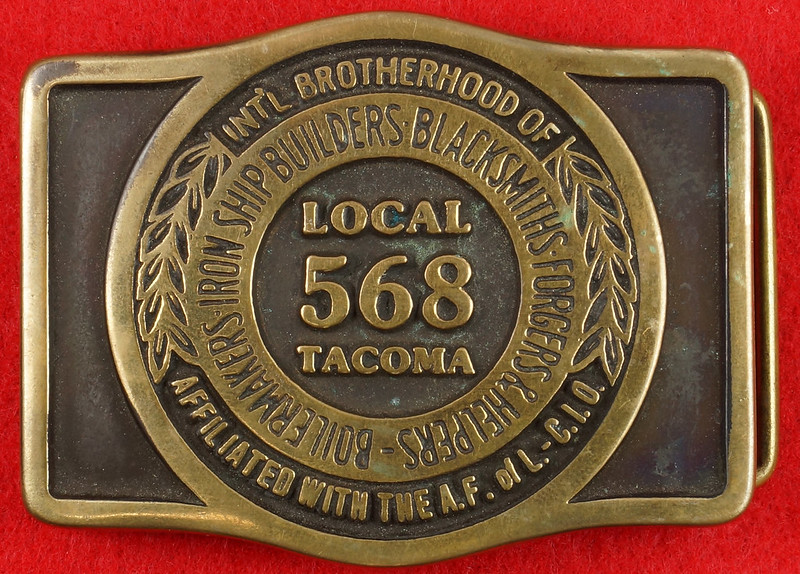 RD17136 1980 Boilermakers Iron Ship Builders Blacksmiths Forgers & Helpers Local 568 Tacoma Brass Belt Buckle Anacortes DSC09422