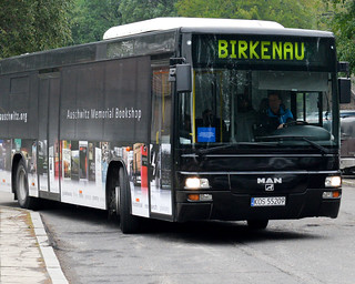 4. Autobús para llegar a Auschwitz-Birkenau | by Diario de un Mentiroso
