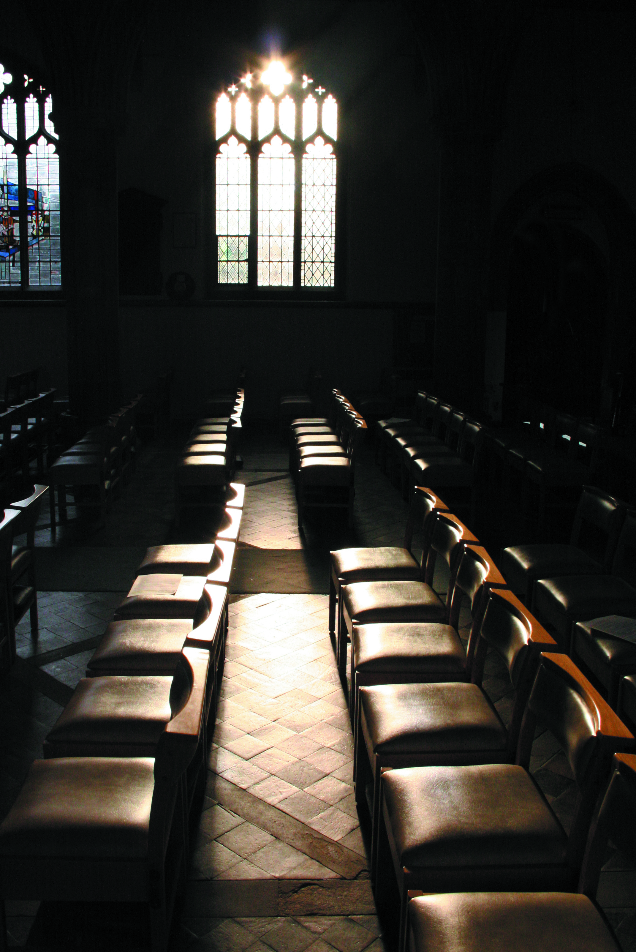 Peace and quiet at  St Andrew's church, Cherry Hinton, Cambridgeshire, ( (c) Ed Grapes 2007)