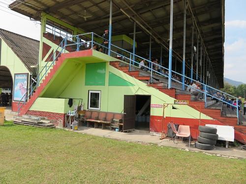チェンマイ競馬場観覧席下の詰所