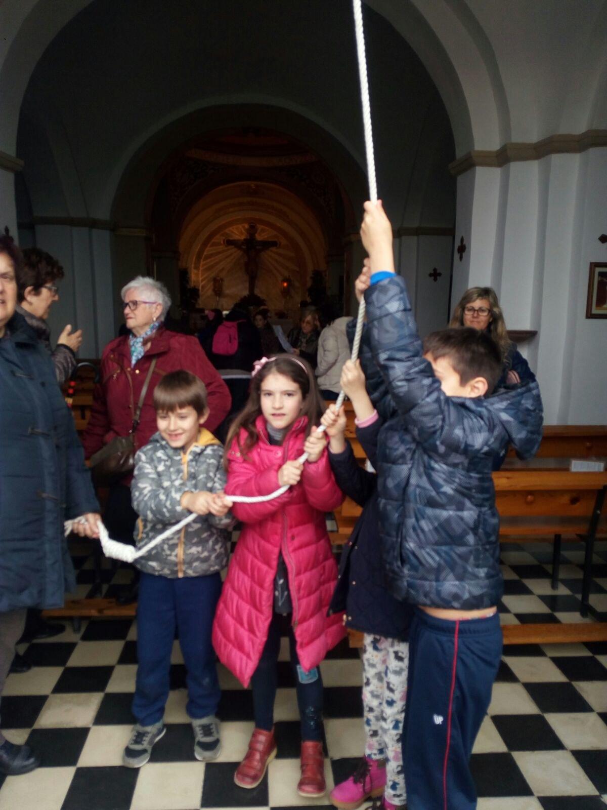 (2018-03-23) II Vía Crucis Infantil (Catequistas) (04)