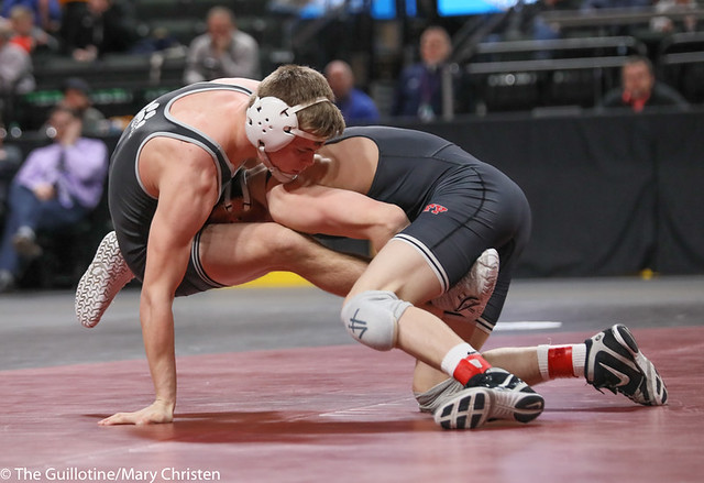 138AA 1st Place Match - Tyler Shackle (Scott West) 44-6 won by decision over Cael Berg (Simley) 36-3 (Dec 5-4) - 190302BMC4520