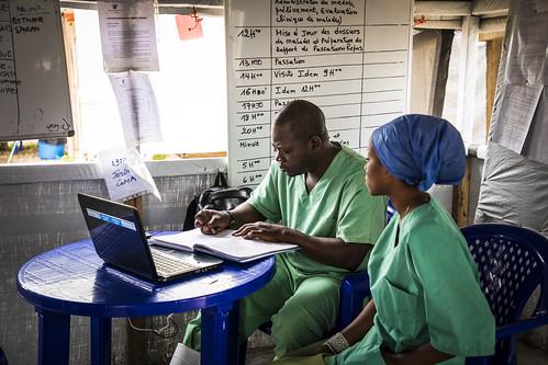 RDC: Au cúur du combat contre líÈpidÈmie díEbola | by World Bank Photo Collection