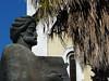 Tunis, socha Ibn Chaldúna před katedrálou, foto: Petr Nejedlý