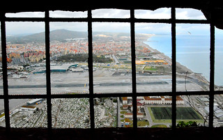 Gibraltar airport and the frontier